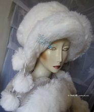 eccentric hat, wolf white, 3 PomPom, elegance wedding, faux-fur