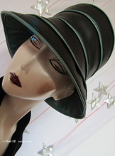 rain hat -Venitia- black and green iridescent bronze-khaki, M