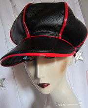 eccentric retro rain cap M/L black and red leatherette